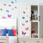 26 värikästä perhosta seinätarra