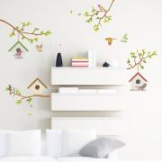 4 oksaa ja linnunpöntöt seinätarra