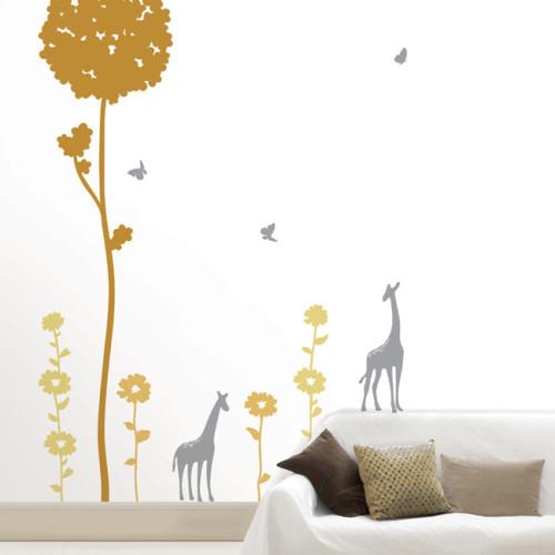 puu ja kirahveja seinätarra
