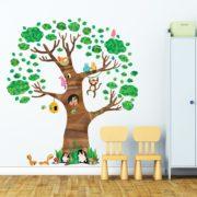 Jättimäinen Puu Ja Eläimet Seinätarra